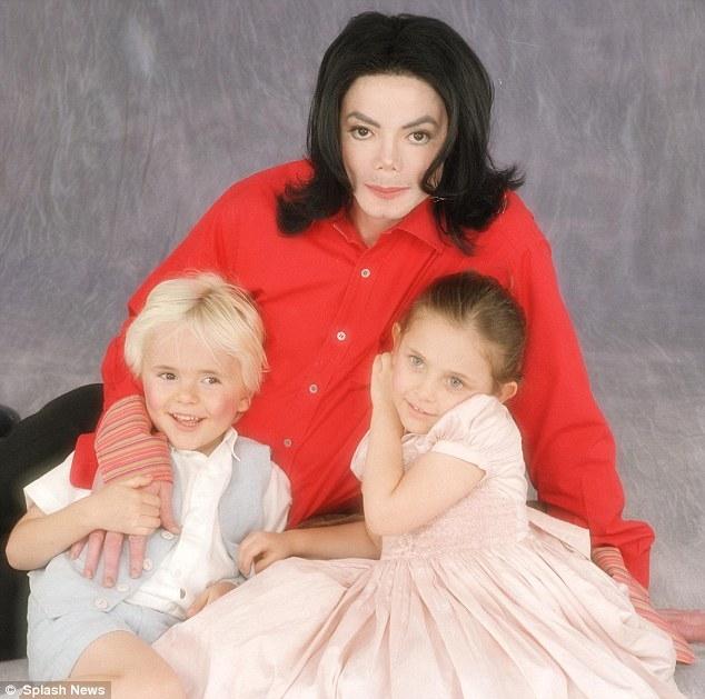 Paris Jackson: Bi kich bat dau tu viec la con cua Michael Jackson...