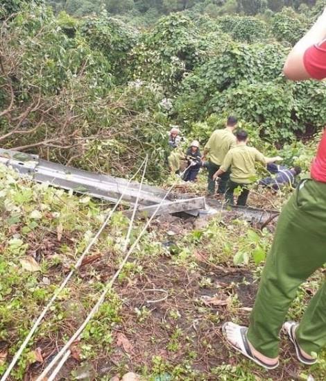 Dùng dây thừng cứu hộ nạn nhân trong vụ xe khách rơi xuống đèo Hải Vân