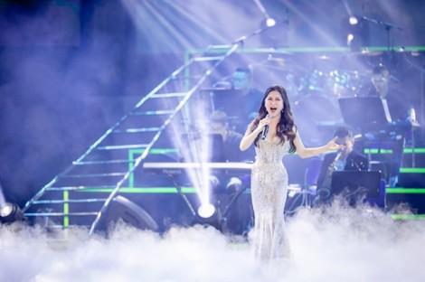 Hương Tràm đoạt giải 'Nghệ sĩ của năm' tại 'Zing Music Awards 2018'