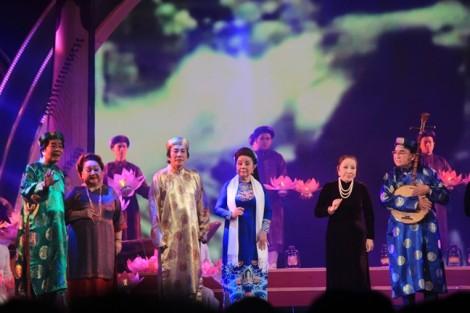 Thế hệ nghệ sĩ vàng tề tựu trong đêm tôn vinh nghệ thuật sân khấu cải lương
