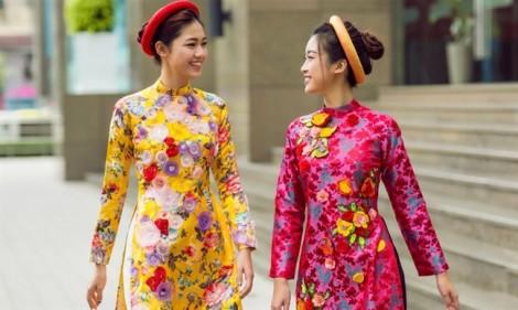 Kiểu dáng, chất liệu áo dài cách tân độc đáo được lòng phái đẹp 2019