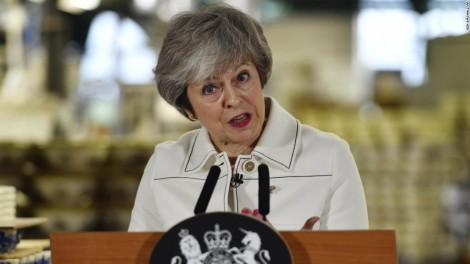 Thủ tướng Anh thất bại, Brexit đứng giữa ngã ba đường