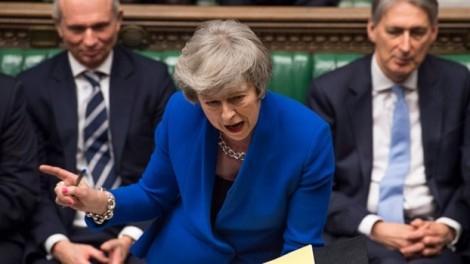 Chính phủ Anh vượt qua cuộc bỏ phiếu bất tín nhiệm