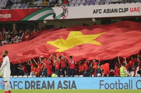 Gần 30 triệu đồng một suất đi Dubai cổ vũ tuyển Việt Nam đá tứ kết