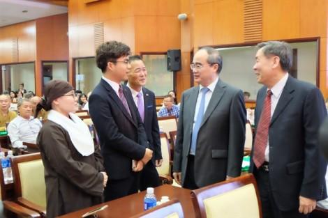 Bí thư Thành ủy TP.HCM: Xem xét thành lập tổ giải quyết vướng mắc trong đầu tư của kiều bào
