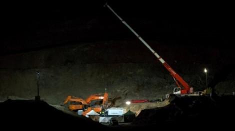 Tìm thấy thi thể bé trai 2 tuổi rơi xuống giếng sâu 100m