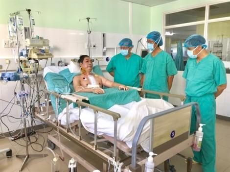 Chở quả tim từ Hà Nội về Huế ghép cho người 6 lần ngưng tim