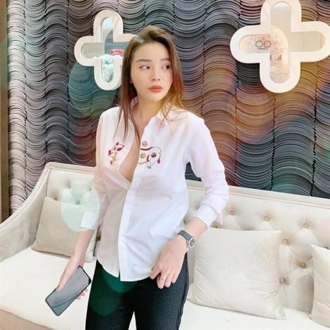 Sao Việt diện trang phục in họa tiết heo đáng yêu