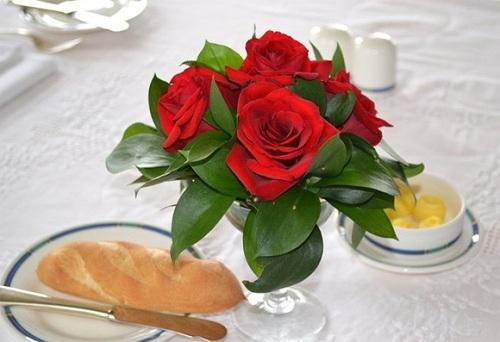 Qua Valentine cho vo - chong: Chi co 'banh mi'?