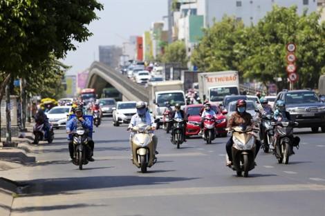 Sau tết, người Sài Gòn chống chọi với cái nóng 35 độ C
