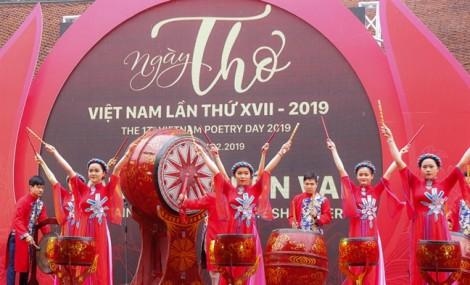 Ngày thơ Việt Nam: Không quên những người đã nằm xuống
