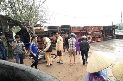Xe container gây tai nạn liên hoàn, 8 người thương vong