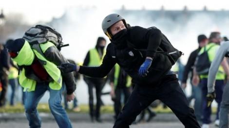Biểu tình 'Áo vàng' tại Pháp diễn biến ngày càng phức tạp