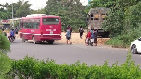 CSGT tăng cường 'trị' xe buýt chạy ẩu, vi phạm luật giao thông