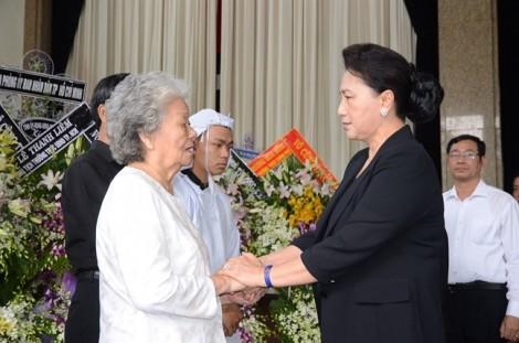 Chủ tịch Quốc hội Nguyễn Thị Kim Ngân viếng Phó chủ tịch UBND TP.HCM Nguyễn Thị Thu