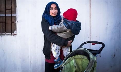Gia đình cô dâu phiến quân IS kiện chính quyền Mỹ chặn đường về của con gái