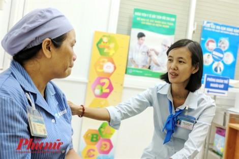 Hạnh phúc nhỏ bé của nữ hộ sinh ở Bệnh viện Từ Dũ