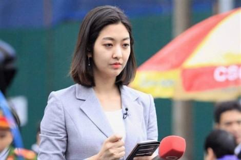 Những phóng viên xinh đẹp ngồi vỉa hè đưa tin về Thượng đỉnh Mỹ - Triều