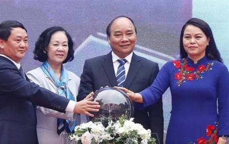 Thủ tướng Nguyễn Xuân Phúc đề nghị các cấp ngành nâng cao công tác chăm sóc phụ nữ, trẻ em
