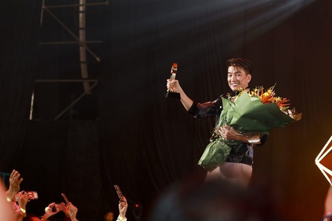 Ha Anh Tuan, Tuan Hung, Bao Anh… hoi tu tai POPS Awards lan 5