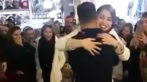 Cặp đôi Iran bị bắt vì cầu hôn trước đám đông