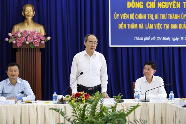 Bi thu Thanh uy Nguyen Thien Nhan thi sat, giai quyet cac van de nong cua metro