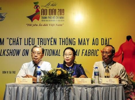 Lưu truyền hồn Việt qua chất liệu vải áo dài