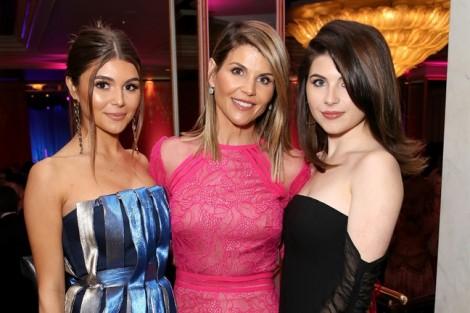 Con gái diễn viên Lori Loughlin hận bố mẹ vì được chạy điểm