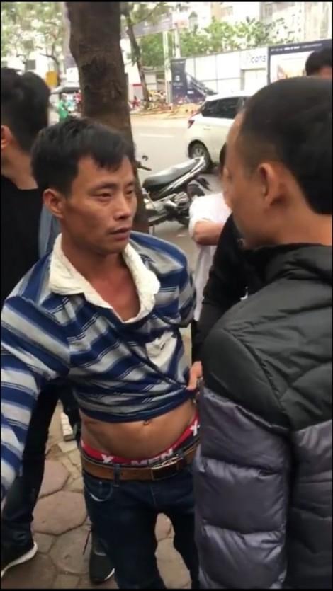 Hà Nội: Bé gái bị bắt cóc ngay trong nhà