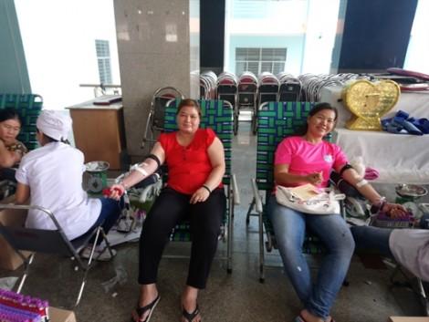Phụ nữ quận 11 hiến máu tình nguyện, hưởng ứng thi đua thực hiện chủ đề năm 2019