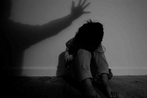 Nhật Bản cấm cha mẹ trừng phạt con cái bằng bạo lực