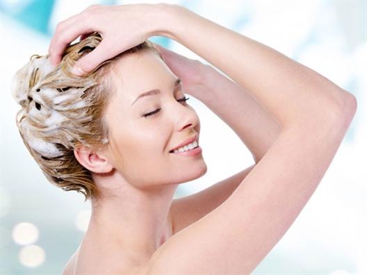 6 giải pháp làm sạch tói uu cho mái tóc dàu