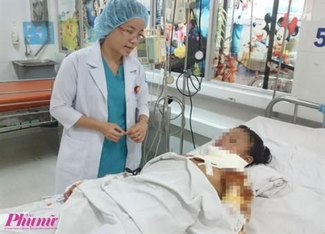 Bị than rớt trúng, bé sơ sinh nhập viện vì phỏng nặng