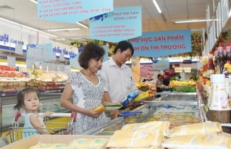 Nhà bán lẻ Việt mở rộng điểm bán giữ vững thị trường