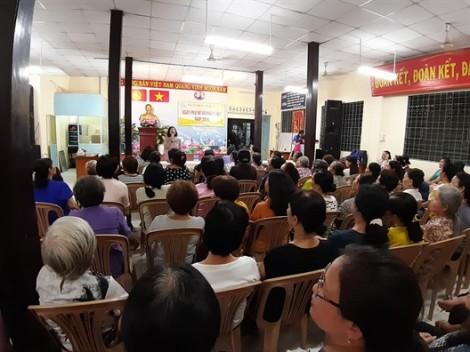 Quận 5: Hơn 100 dì, chị tham gia 'Ngày Phụ nữ và Pháp luật'