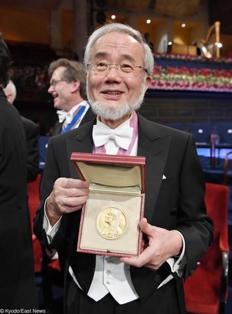 Chế độ ăn kiêng 'cải lão hoàn đồng' của Tiến sĩ người Nhật Ohsumi