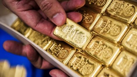 Giá vàng ổn định ở mức thấp