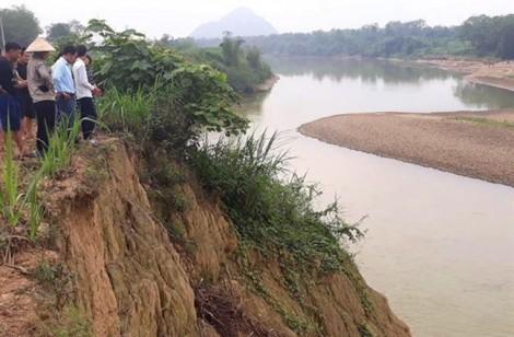 Nam sinh lớp 9 nhảy xuống sông cứu 5 em nhỏ đuối nước