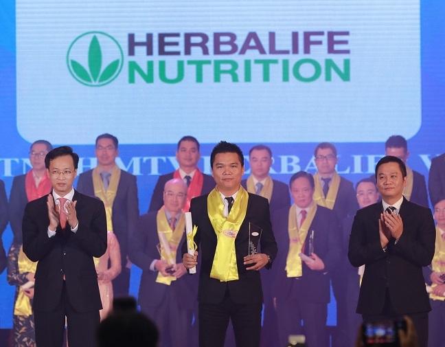 Herbalife tiep tuc duoc trao danh hieu 'Thuong hieu thuc pham bo sung dinh duong hang dau' tai Giai thuong Rong Vang nam 2019