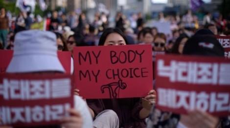 Hàn Quốc sẽ bỏ lệnh cấm phá thai vào năm 2020