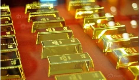 Giá vàng ngày 15/4: Nhiều nước mạnh tay gom vàng