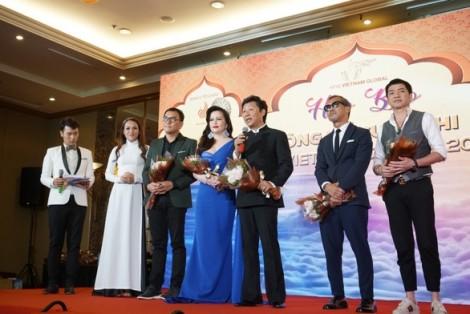 Chênh lệch 40 tuổi, đâu là chuẩn vẻ đẹp của quý bà người Việt?
