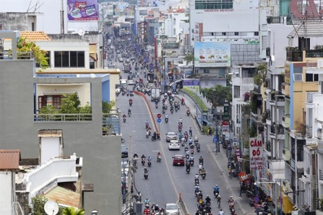 Nắng nóng 'vỡ đầu' khi Sài Gòn thiếu bóng cây xanh
