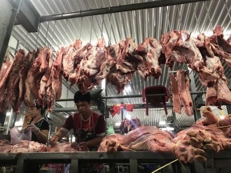 Thịt heo an toàn vẫn bán chạy, giá cao
