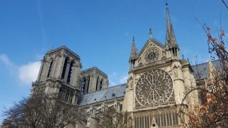 Chiêm ngưỡng tuyệt tác 850 tuổi của Nhà thờ Đức Bà Paris