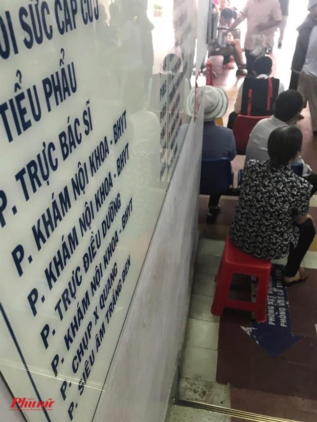 Hang loat bac si nghi viec: Do nghi quyet can tro hay benh vien thieu suc hut?