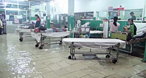 Hàng loạt bác sĩ nghỉ việc: Do nghị quyết cản trở hay bệnh viện thiếu sức hút?