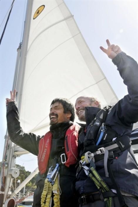 Người thủy thủ khiếm thị hoàn thành chuyến đi 14.000 km băng qua Thái Bình Dương