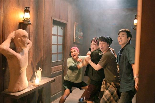 Phat hanh phim Viet song song noi 'san khach': Cu go, cua se mo!