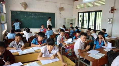 Bình Phước: Bất cập lớp học 'đấu lưng' tìm con chữ